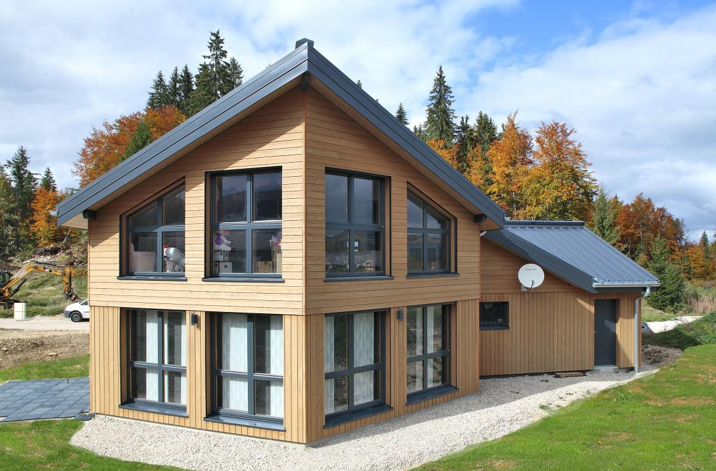 Maison bois dans le jura bole richardbole richard for Construction bois 86